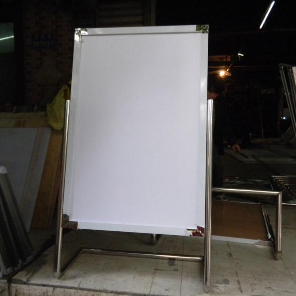 不锈钢广告牌7